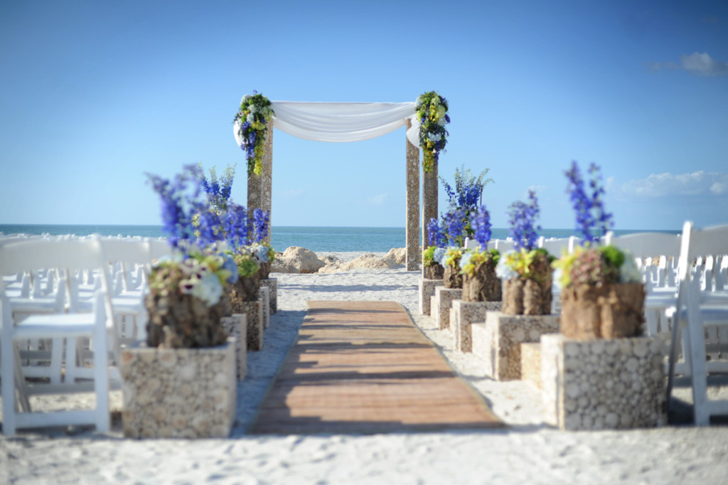 South Seas Island Resort is the perfect place for a dream wedding.