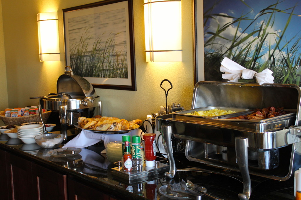 Free beakfast buffett at the Club Lounge. Photo: Paula Bendfeldt-Diaz. All Rights Reserved.
