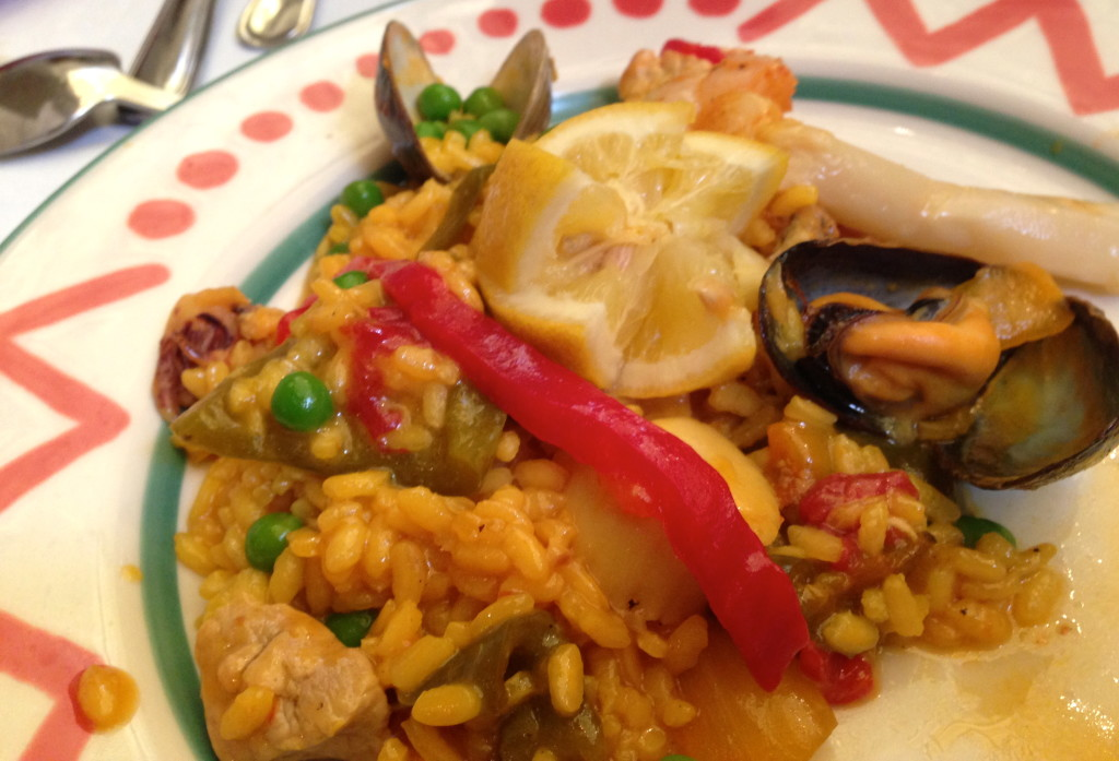 Paella. Photo Paula Bendfeldt-Diaz. All Rights Reserved.