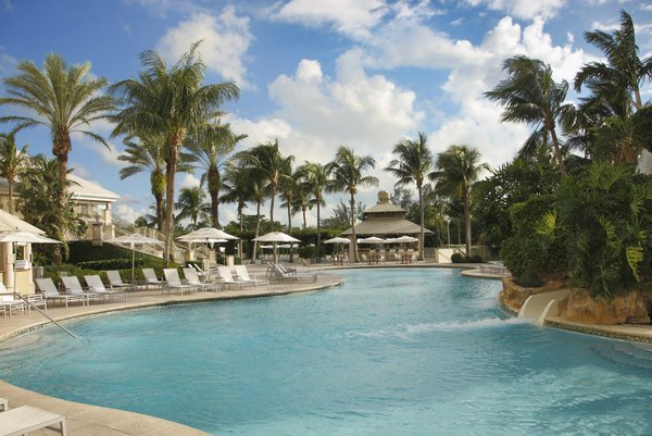 waldorf astoria naples pool are