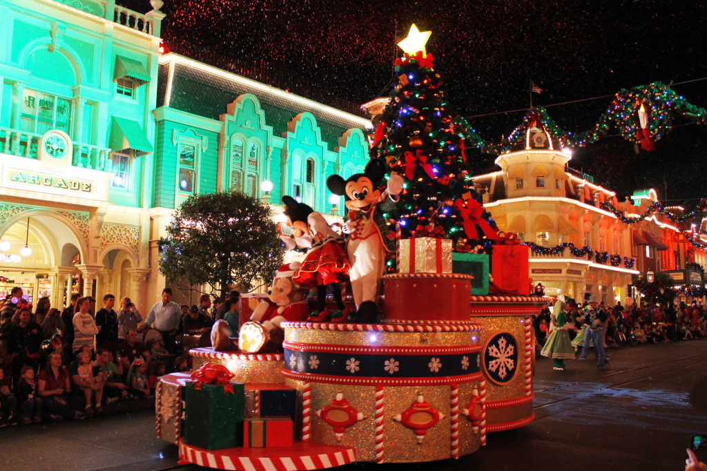 Disney Holiday Parade
