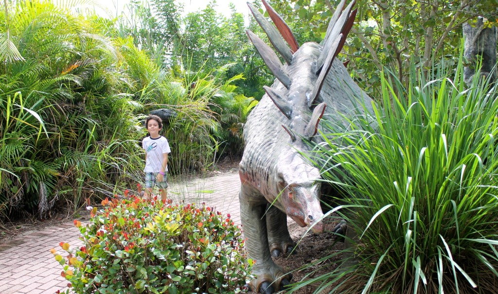 Dinosaurs at The shell factory Fort Myers