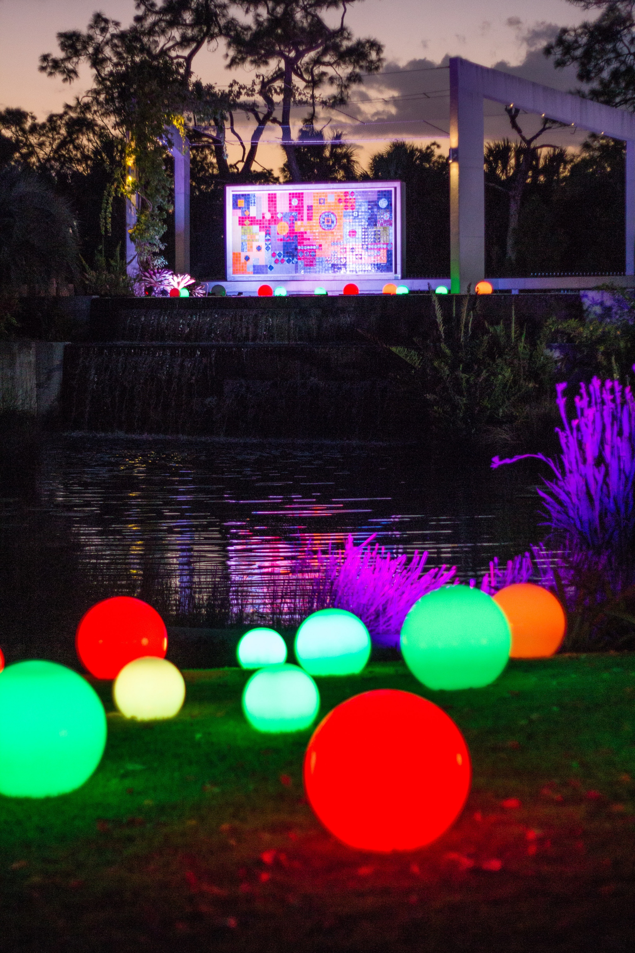 Naples Botanical Garden Brightens Up The Holidays With ...